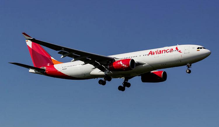 самолет Avianca Airlines